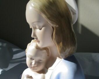 Madonna Mary and Child Jesus Sculpture Ceramic