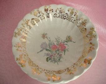 Vintage Wedding Berry Bowls American Limoges Caroline Set of 5 Shabby Cottage Chic Tulips Vintage Bridal Shower