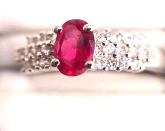 Ruby crystal cocktail ring estate vintage new old stock 925 sterling silver size 7