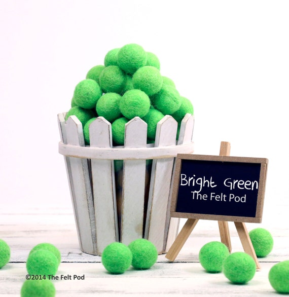 ORG-BG Felt Balls -  2.5 cm - 25 count - Bright Green