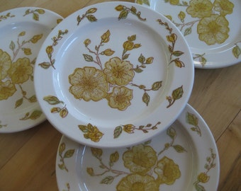 Anchor Hocking Devonshire Ironstone salad plates with yellow flowers Very good Set of 4
