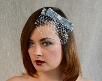 SALE - Silver Birdcage Veil Fascinator - Silver Hairclip - Art Deco Flapper