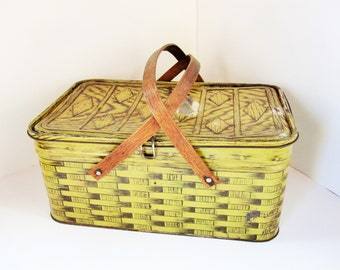 Vintage Metal Faux Wicker Picnic Basket - Beautifully Crafted Snap Catch - Bentwood Handles - Large Primitives - Country Kitchen - Shabby