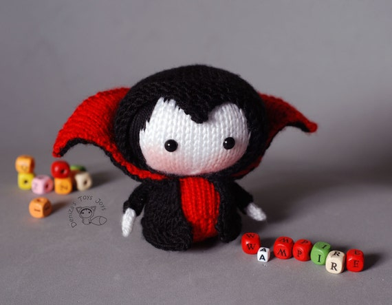 Knitting Toys In The Round : Vampire doll tanoshi series toy knitting pattern