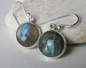 Round Labradorite Earring- Silver Earring- Everyday Earring- Gemstone Earring- Bridemaid Earring- Classic Earring- Labradorite
