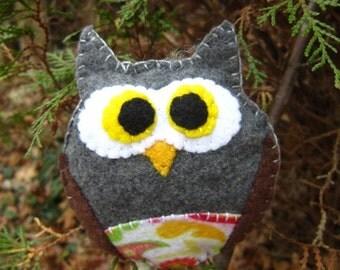 Owl Ornament-Handmade felt Owl ornament-Felt owl-Baby room decor-Woodland ornaments-Owl gift-ready to ship