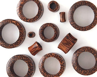 Pair of Coconut Tunnel Wood Plugs