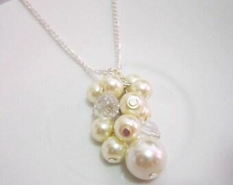 Bridesmaid Necklace, Cluster Necklace, Pearl Pendant, Cluster Pendant, Pearl Necklace, Bridesmaid Jewelry, Wedding Party Necklace