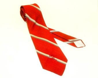 1970s COUNTESS MARA Tie Mens Vintage 70s Red, Blue & Tan Striped Necktie by Countess Mara, New York for Hastings