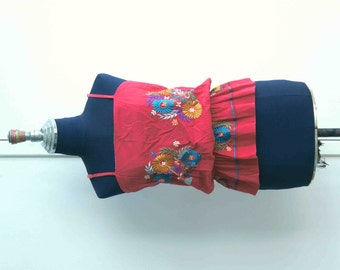 80's Boho Tribal Style Silk Flowers Embroidery Spaghetti Straps Red Blouse // Tie Waist // Size M - L