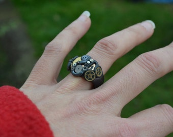 Steampunk Cogs Ring  UK Size P - P 1/2.....unique and beautiful.  Steampunk, Punk, Alice In Wonderland, Gypsy, Folk, Psy