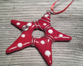 Star ornament -Red with white polka dots