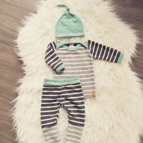 A complete selection of cute baby clothes for stylish newborn and infant babies. Buy high quality and adorable baby clothes for boys at Little Me.