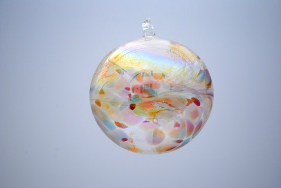 e00-62 Medium Iridescent Ornament Translucent
