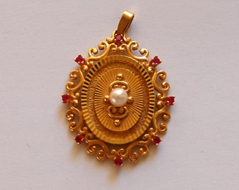 Old  gold plated pendant