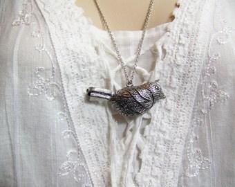 Whistle-like Necklace, Bird 'Whistle', Large Silver Bird Necklace, Decorative Necklace, Bird Necklace, Songbird Necklace, Sparrow Necklace