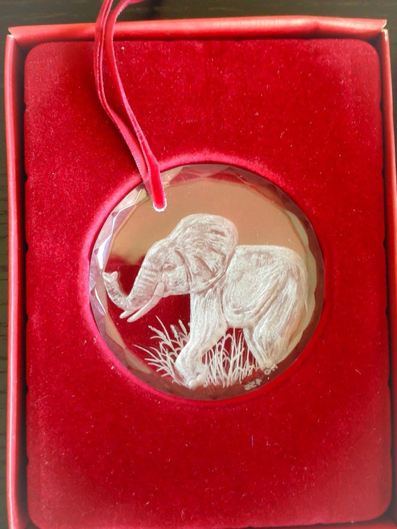 Crystal ornament,HandEngraved, Engraved, elephants, gifts, valentine, boxed, love, personalized, bespoke, african art, safari, trunk, big5