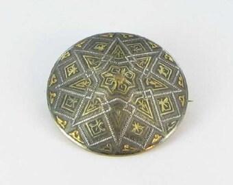 Vintage Oriental Hat Damascene Brooch Pin Round black gold tone