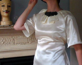 Vintage 1930s Satin Blouse in Cream with Short Sleeves // Handmade