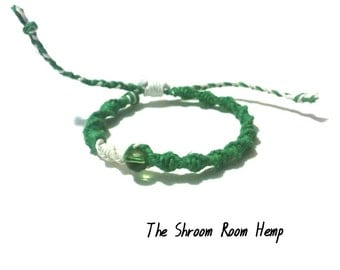 SALE // Hemp Bracelet Green and White with Green Glass Bead