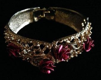 Vintage Gold Tone Rose Bracelet (ABX1G)