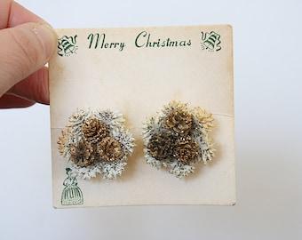 Vintage Christmas Earrings - Vintage Clip On Earrings - Pinecone Jewelry - Pine Cone Earrings - Holiday Earrings - Christmas Jewelry - 1950s