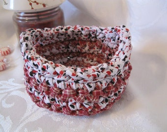 Crocheted Fabric Basket (small)