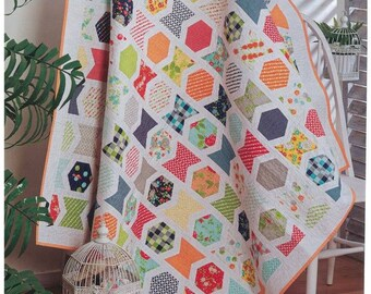 Beautiful Modern Quilt  (single or throw) 69in x 56in
