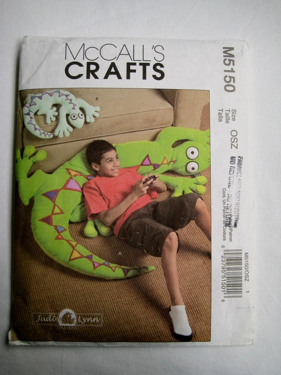 Man Cave Uncut : Mccalls sewing pattern m lounge lizard by missussewnsew