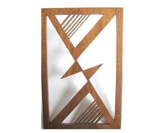 Triangles in Alignment Fretwork