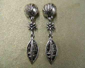Vintage antique silver tone clip on earrings
