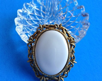 Gold Tone Oval Brooch and Insert