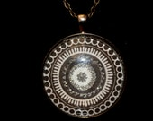 Round photo pendent 4 inches