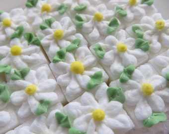 Daisy Decorated Sugar Cubes