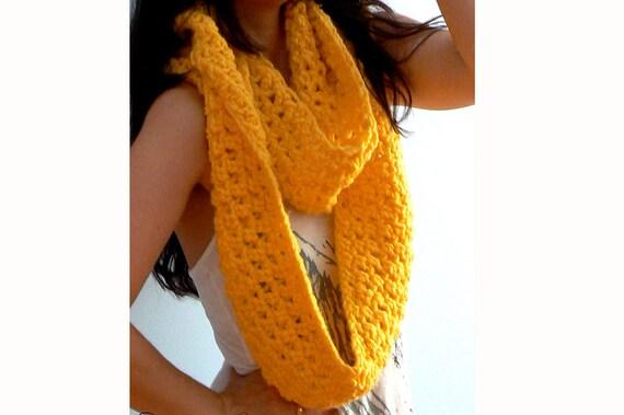Infinity crochet scarf-Oversized women yellow scarf-Chunky infinity cowl-Crochet scarf-Winter scarf head wrap-Fashion cowl-Boho chunky scarf