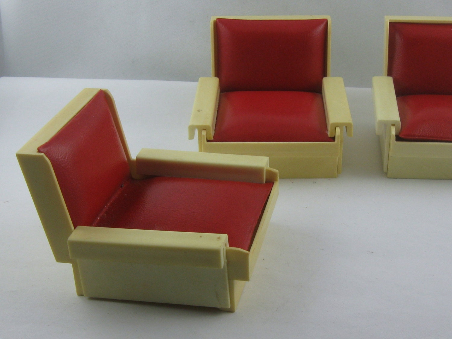 10% OFF Dollhouse furniture from the 60s 70s made of
