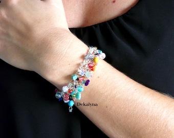 Bracelet multicolore. Bracelet au crochet. Bijoux au crochet. Bijoux faits en France. Cadeau pour femme. Mode bohème chic. Bijoux bohème.