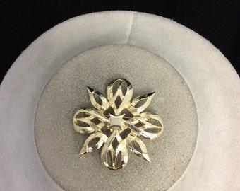 Vintage Goldtone Pin