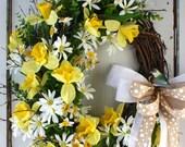 Yellow Daffodil Wreath - Spring Wreath - Easter Wreath - Front Door Wreath - Garden Daisy Wreath - Spring Floral Wreath - Bird Wreath
