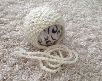 Newborn Aran knit round back bonnet