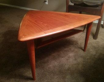 Mid-century teak triangular side table by Moreddi
