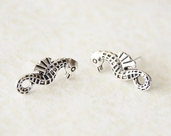 Silver Seahorse Stud Earrings / Seahorse Earrings /  Seahorse Jewelry / Nautical Earrings / Stocking Stuffer / Mom Gift / Beach Gift / SE125