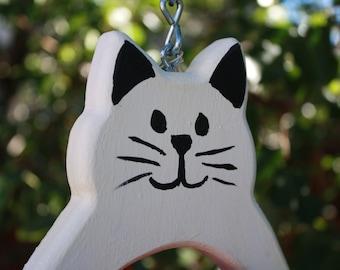 white cat - fruit feeder - natural bird feeder - garden decor - bird lover gift - bird feeder - birdwatching - wooden feeder