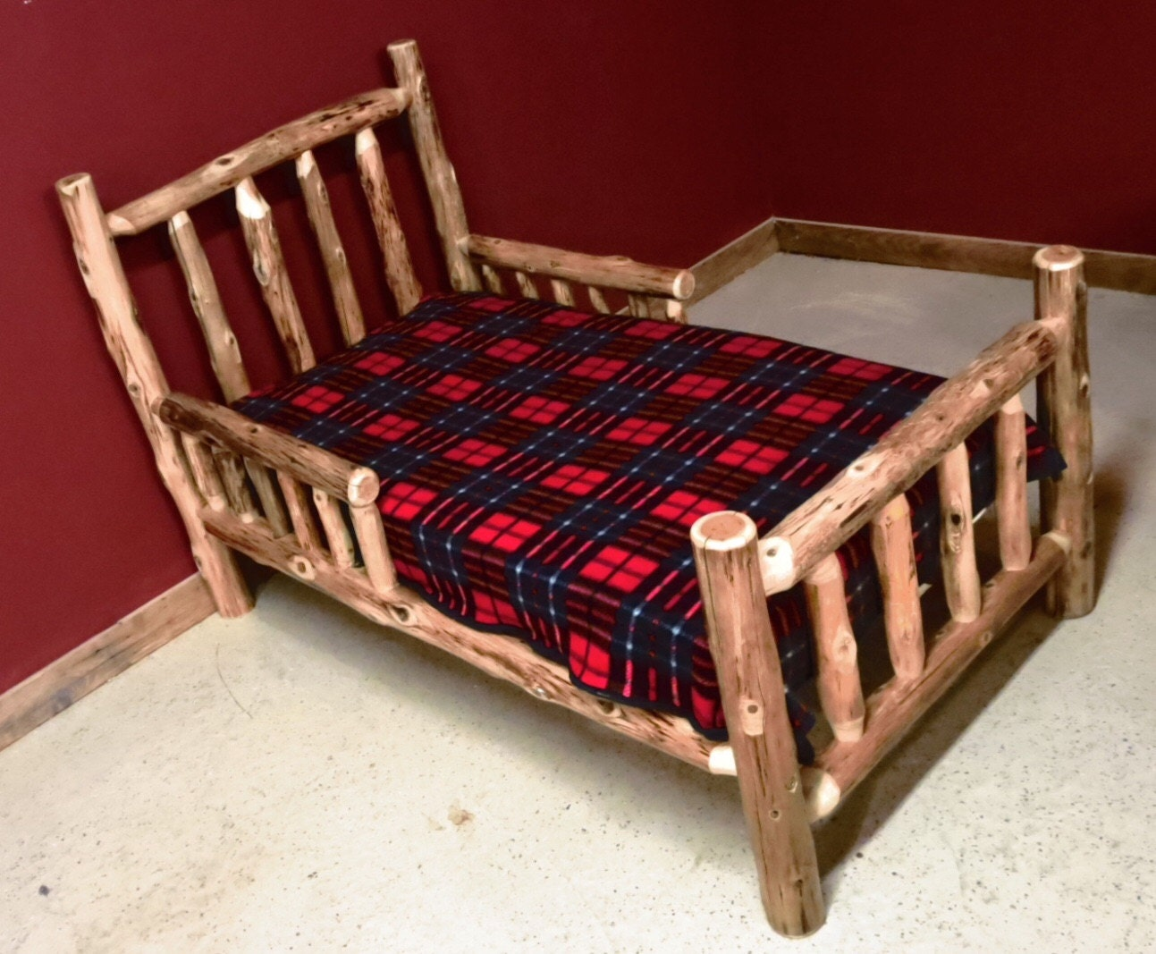 cedar log toddler bed with side rails. Black Bedroom Furniture Sets. Home Design Ideas