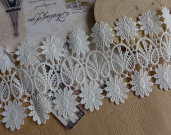 White Lace Trim Venise Daisy Flowers Lace for Appliques, Altered Art, Costumes, Lace Jewelry