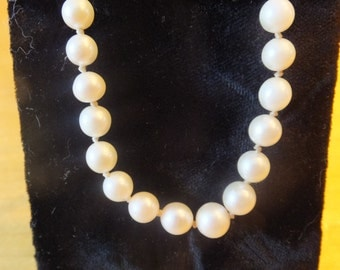 Pearl and 10 Karat Gold Necklace