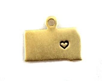 2x Brass South Dakota State Charms w/ Hearts - M073/H-SD