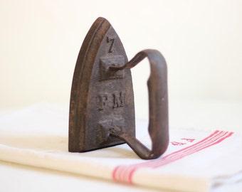 French Antique Cast Iron Sad/Flat Iron /  Époque Vintage