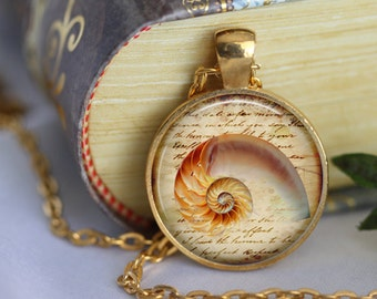 SEA SHELL Necklace Pendant Vintage Shell Ocean Glass Pendant Handmade Summer Beach Jewerly Nautical Pendant Jewelry