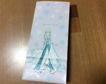 Kawaii Frozen queen Elsa paper bag.